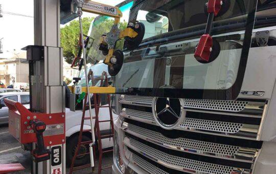 Sostituzione vetri furgoni e camion